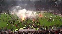 Fortuna Düsseldorf VS. Hertha BSC - Fans stürmen Spielfeld