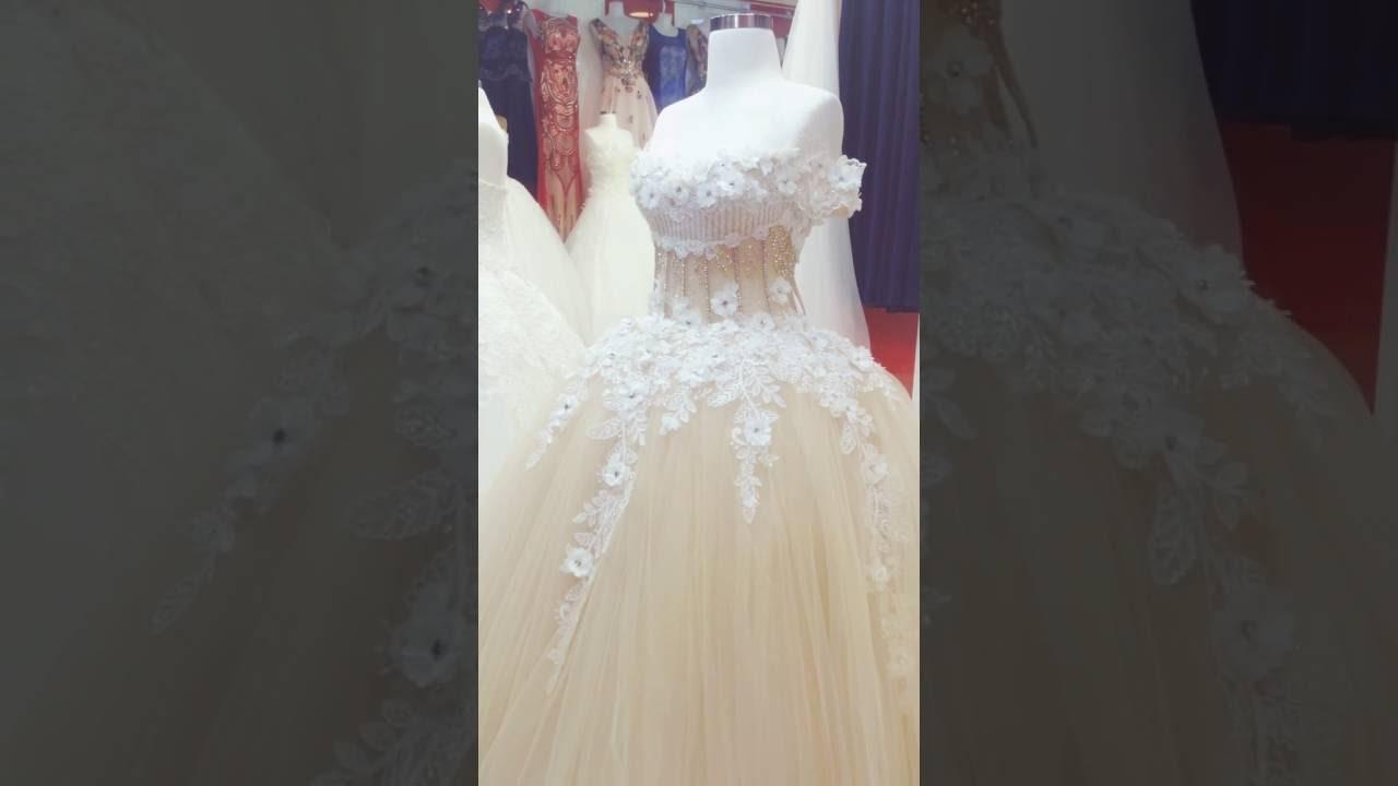 f7c5b332f معرض فساتين عروس -معرص ازمير دهوك-سوق دبي طابق_٣ء_ - YouTube
