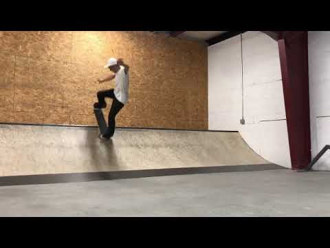 Manual to Blunt Fakie at The Boardr HQ