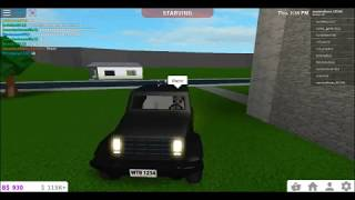 How to glitch into people houses[bloxburg roblox]