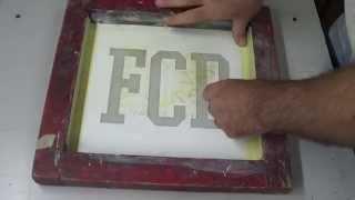 Простой и быстрый метод трафаретной печати футболок