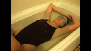 Repeat youtube video Black One Piece girl Breatholding Training  3'01 min