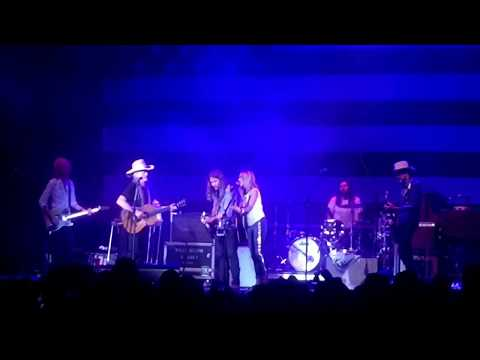 Sheryl Crow, Lukas Nelson, Willie Nelson