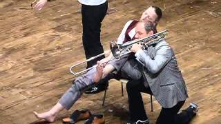 Mnozil Brass - Lonely boy -Yes, yes,  YES! - Vercelli 2015 - sedia