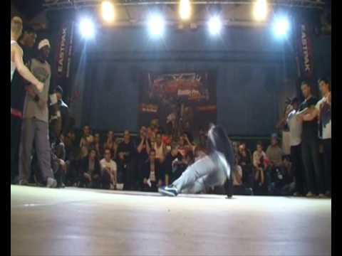 PHASE T vs HOLLAND DREAM TEAM (CHELLES BATTLE PRO 2009) part2 WWW.BBOYWORLD.COM