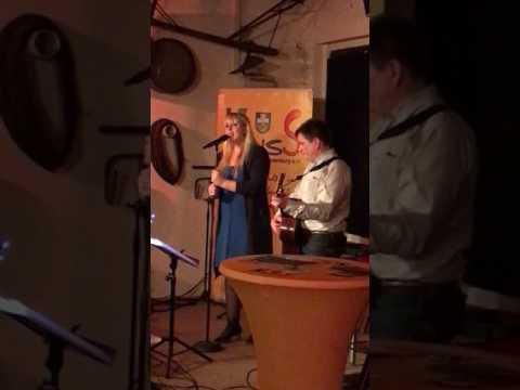 Leaving on a jetplane - John Denver/Chantal Kreviazuk (Official Cover Lisa Meinecke Musik)