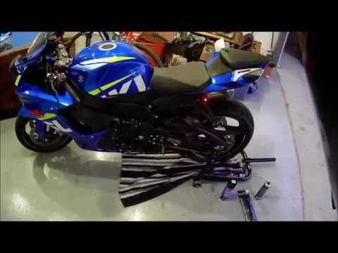 Basic Motorcycle Maintenance : How to Clean and Lube a chain.