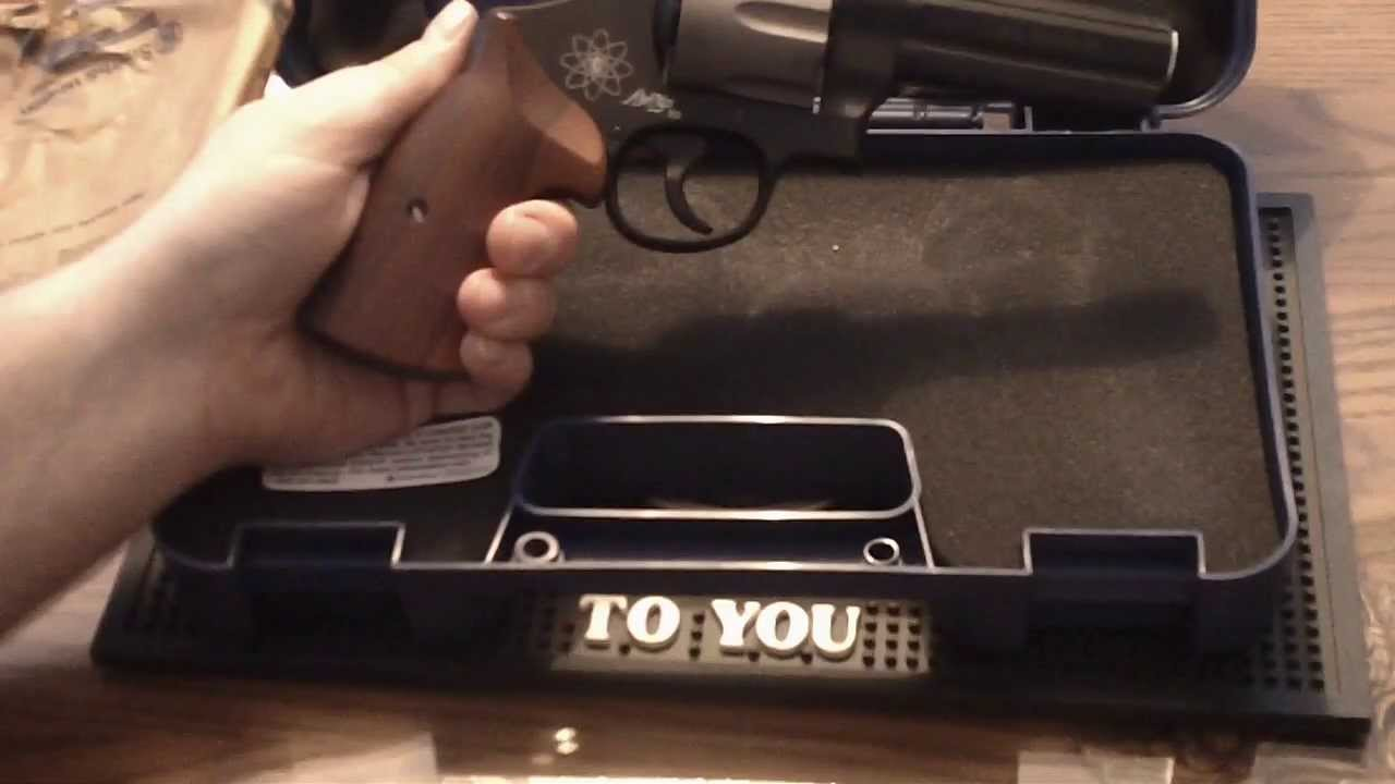 Smith And Wesson 12039 Unboxing: Unboxing Smith And Wesson 329 Pd 44 Magnum