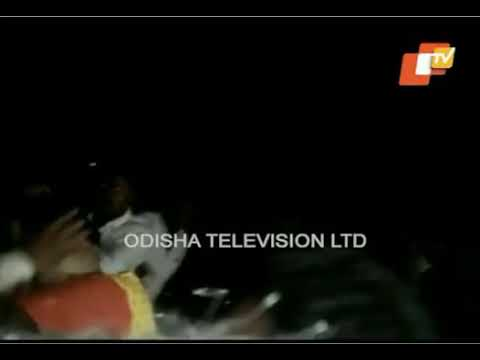 WATCH Shocking visuals of mobile A Man Attack on Odia actress Usasi Misra in Angul district😱😱😱
