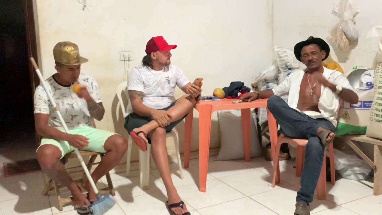 """TIRINGA RESPONDE AOS FÃS: """"CAMINHONEIRO É TUDO CORNO"""