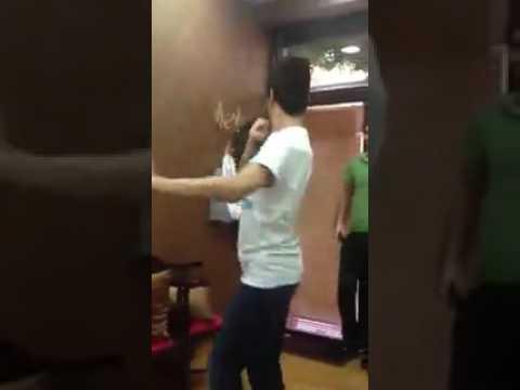 شاب يرقص مثل البنات شاهدو thumbnail