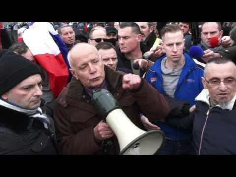 Général PIQUEMAL arrêté à Calais /France - 6 février 2016