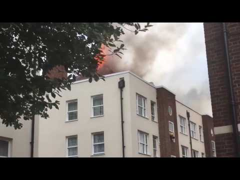 Block of Flats Catches Fire in Bethnal Green London