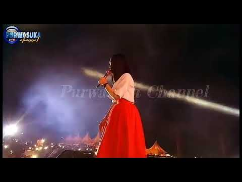 Lesti ajak penonton cowo naik panggung ASik indramayu 'mimpi terindah' si cowo yaaa