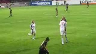 Mimoun Azaouagh im Spiel gegen Liverpool