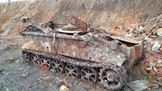 Эхо войны: Опасные находки черных копателей, страшные находки металлоискателем(Чёрные копатели подорвались на мине великой отечественной войны,опасные находки,что можно найти под землё..., 2015-10-06T14:35:44.000Z)