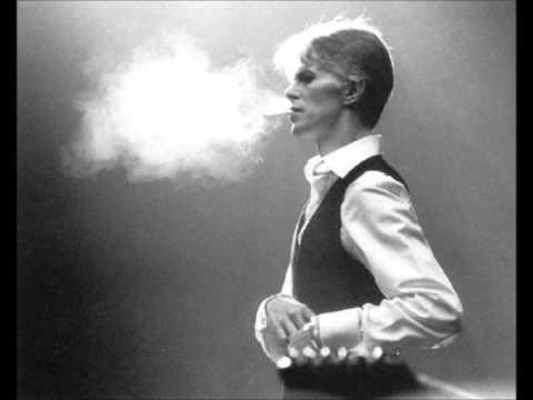 David Bowie - I'm deranged (lyrics)