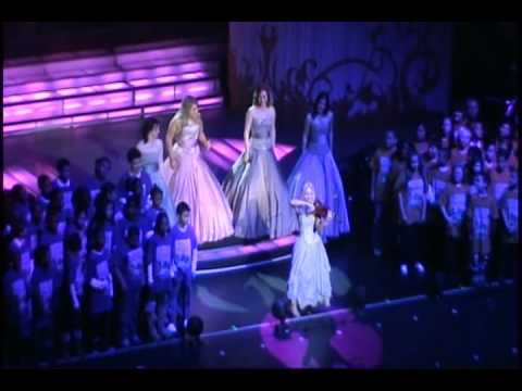 Celtic Woman & PS22 Chorus 'YOU RAISE ME UP' at Radio City Music Hall