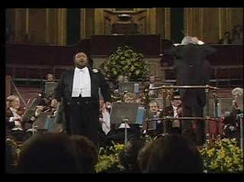 Macbeth, ha, la paterna mano, Pavarotti