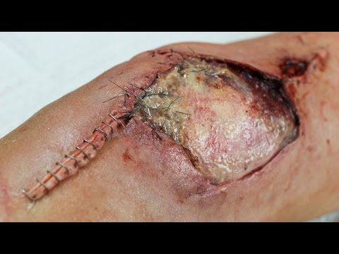 Infected Knee Makeup | Powdah & Freakmo Collab!