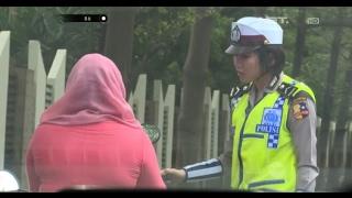 Download Video Mengaku Punya Keluarga Jaksa, Ibu ini Mengadu Saat Akan Ditilang - 86 MP3 3GP MP4