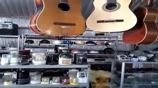 Chợ GÒ TÀ MÂU - CAMPUCHIA P5 - Mua đàn guitar NHẬT CŨ