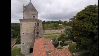 Des Beaux Villages Français / Apremont  (Vendée)