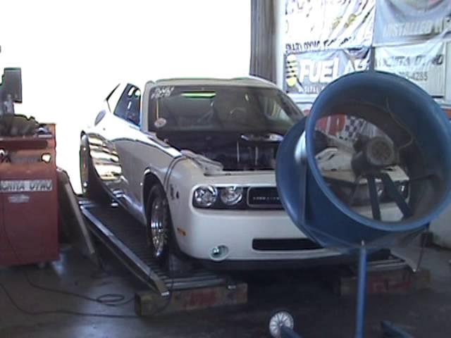 M2U00915