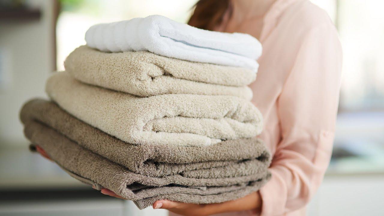 Come realizzare un tappeto da bagno con dei vecchi asciugamani