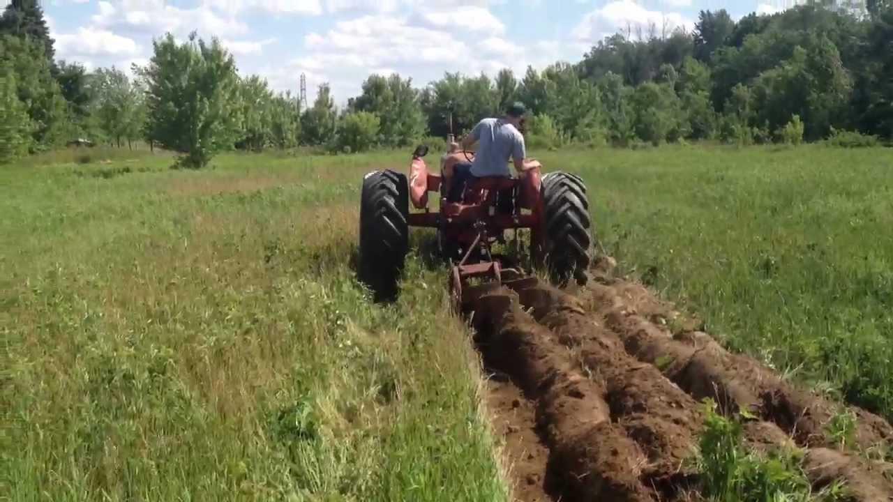1951 Allis Chalmers Wd Plowing Ferguson 2 Bottom Plow