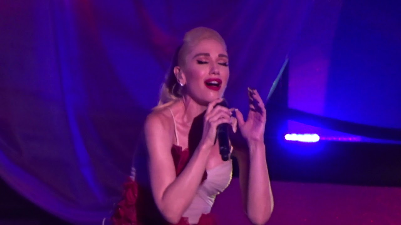 Gwen Stefani - I Used To Love You - live - Zappos Theater ...