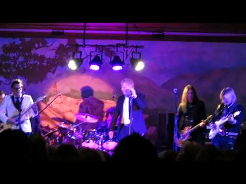 The Offspring cover Payolas Eyes of a Stranger New Years Eve 2014