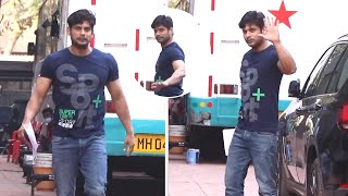 Sidharth Shukla Snapped For On Location Shoot Bandra Exclusive | Watch Video