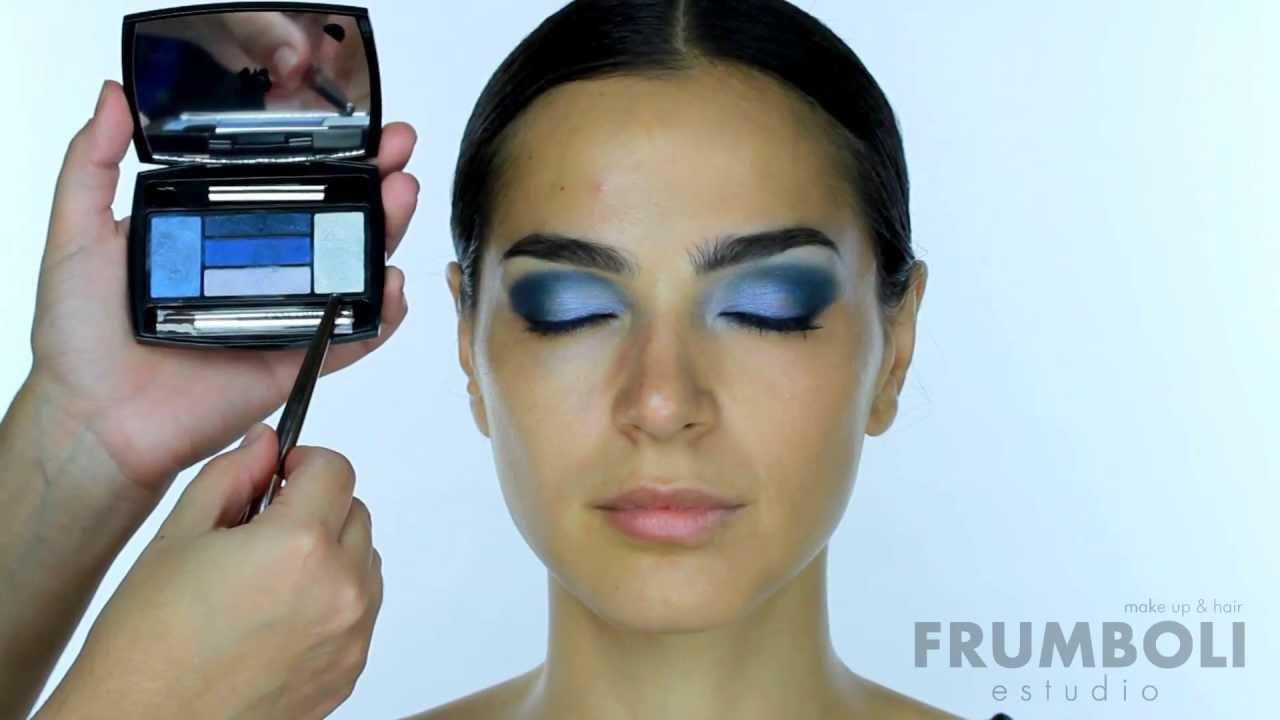 Maquillaje para vestido azul francia
