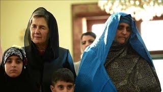 Video National Geographic 'Afghan girl' meets Afghan president download MP3, 3GP, MP4, WEBM, AVI, FLV Agustus 2018