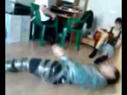 Видео женщину связали на полу скотчем фото 655-471