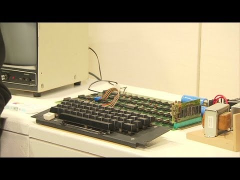 Sotheby's auctions one of first Apple computers