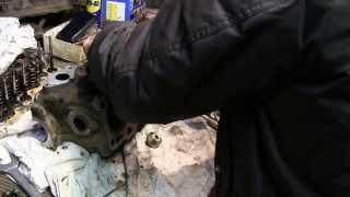 Golf 2 ремонт ДВС видео 11, продолжаем шарошить головку(, 2014-03-14T06:50:17.000Z)