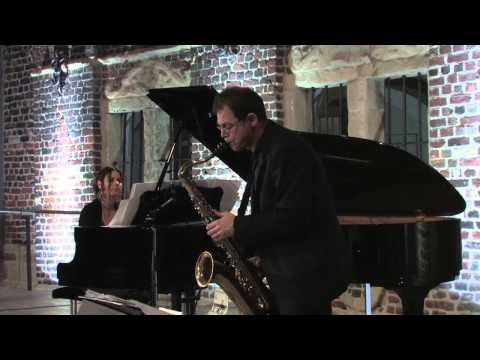 Red Light - Vib Gyor - Intouchables (Piano and Saxophone)
