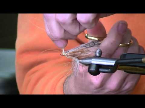 Matt Drahos of Western Rivers Fly Fisher tying up a Platte River Spider