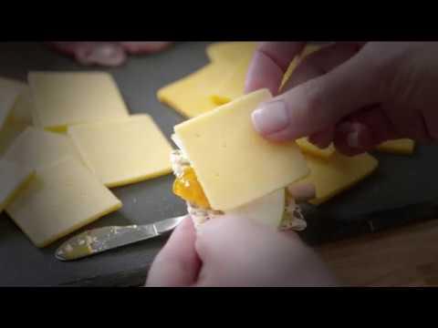 CRACKER BARREL Gouda and Extra Sharp Cheddar Pairing Board thumbnail