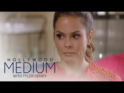 Brooke Burke Charvet Connects to Late Friend | Hollywood Medium with Tyler Henry | E!