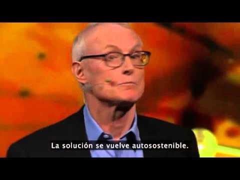 TED Michael Porter  ¿Por qué las empresas pueden resolver problemas sociales