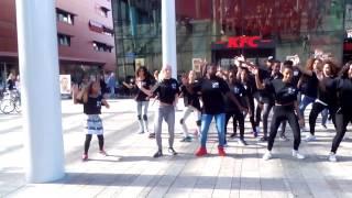 Flashmob open dag schouwburg Almere