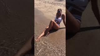 Beach time ☀️🏖👙 #shorts #bikinitime #lifeisbetteratthebeach #legsfordays