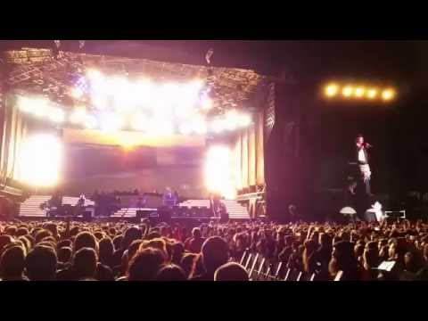 Guns ´n Roses - Patience Live Rosario 01/11/2016 - Axl cough at 3:28