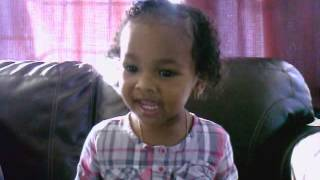 India Arie (Elmo) ABC - (2 yr old singing)