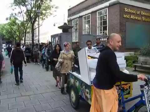 Food For All London food distribution by Ganga