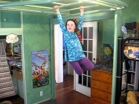 Monkey Bars.AVI