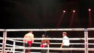 Knockout zwischen luan Krasniqi und Danny Williams